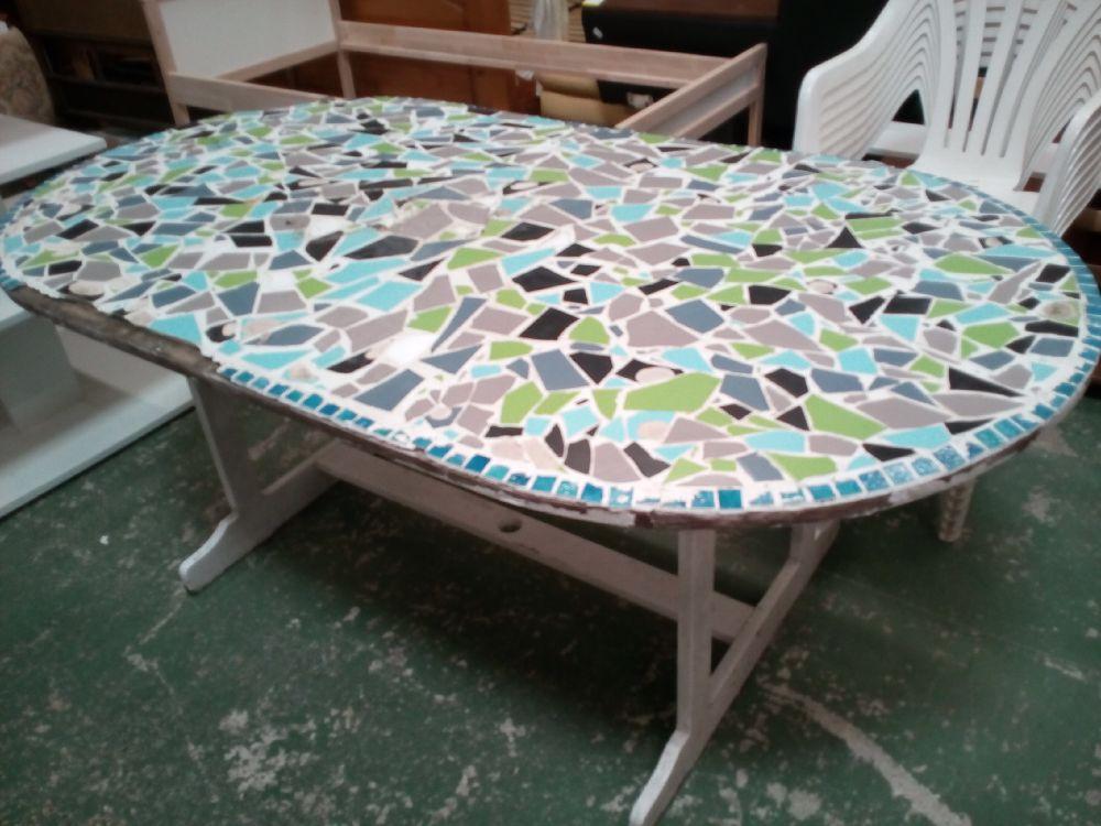 TABLE DE JARDIN EN L ÉTAT occasion - La Cabane du Troc