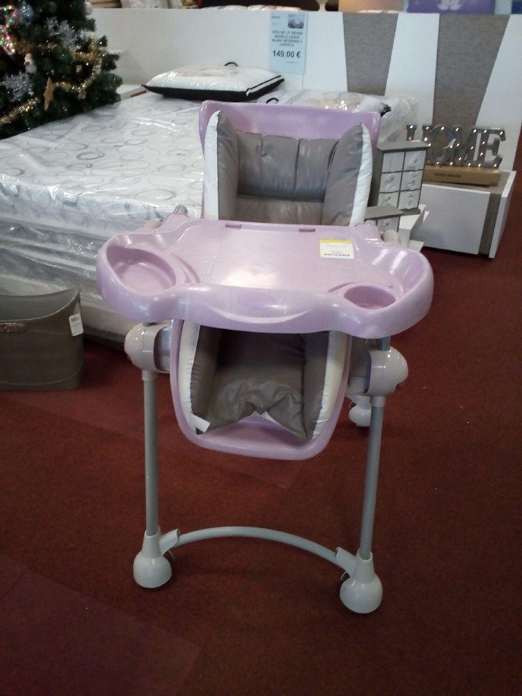 chaise haute rose occasion la cabane du troc. Black Bedroom Furniture Sets. Home Design Ideas