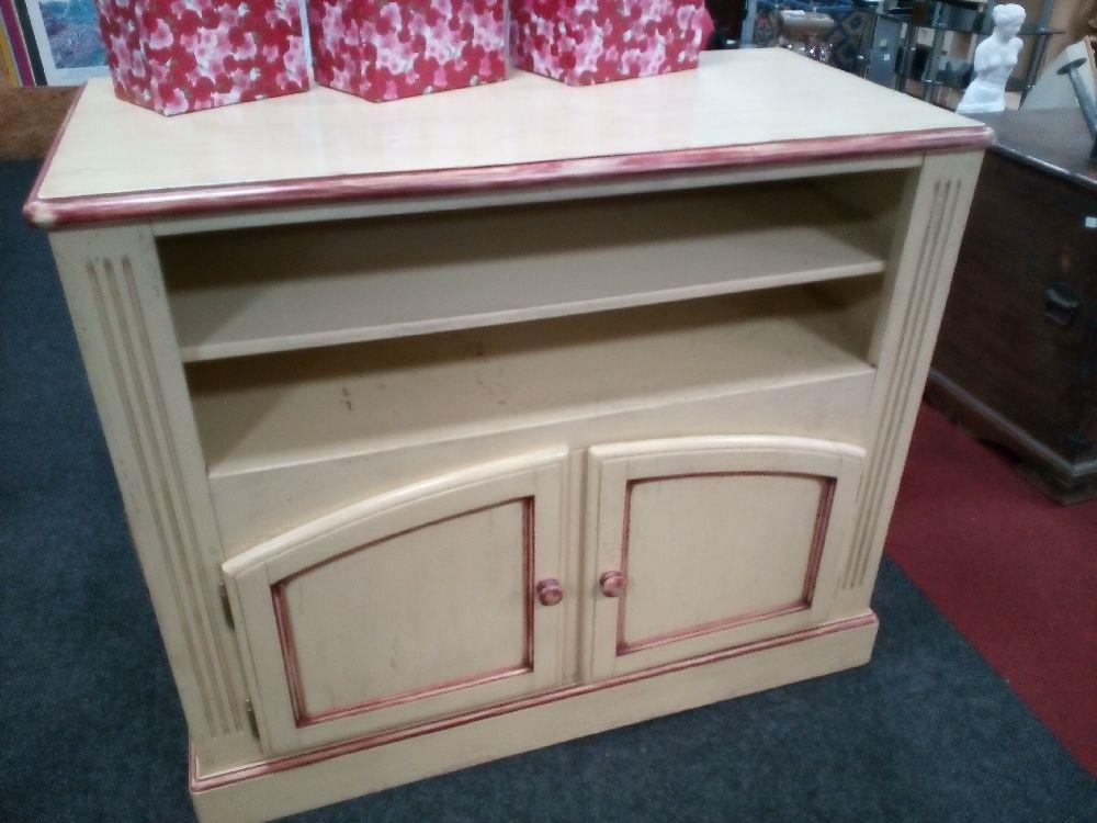 meuble tv 2 portes occasion la cabane du troc. Black Bedroom Furniture Sets. Home Design Ideas
