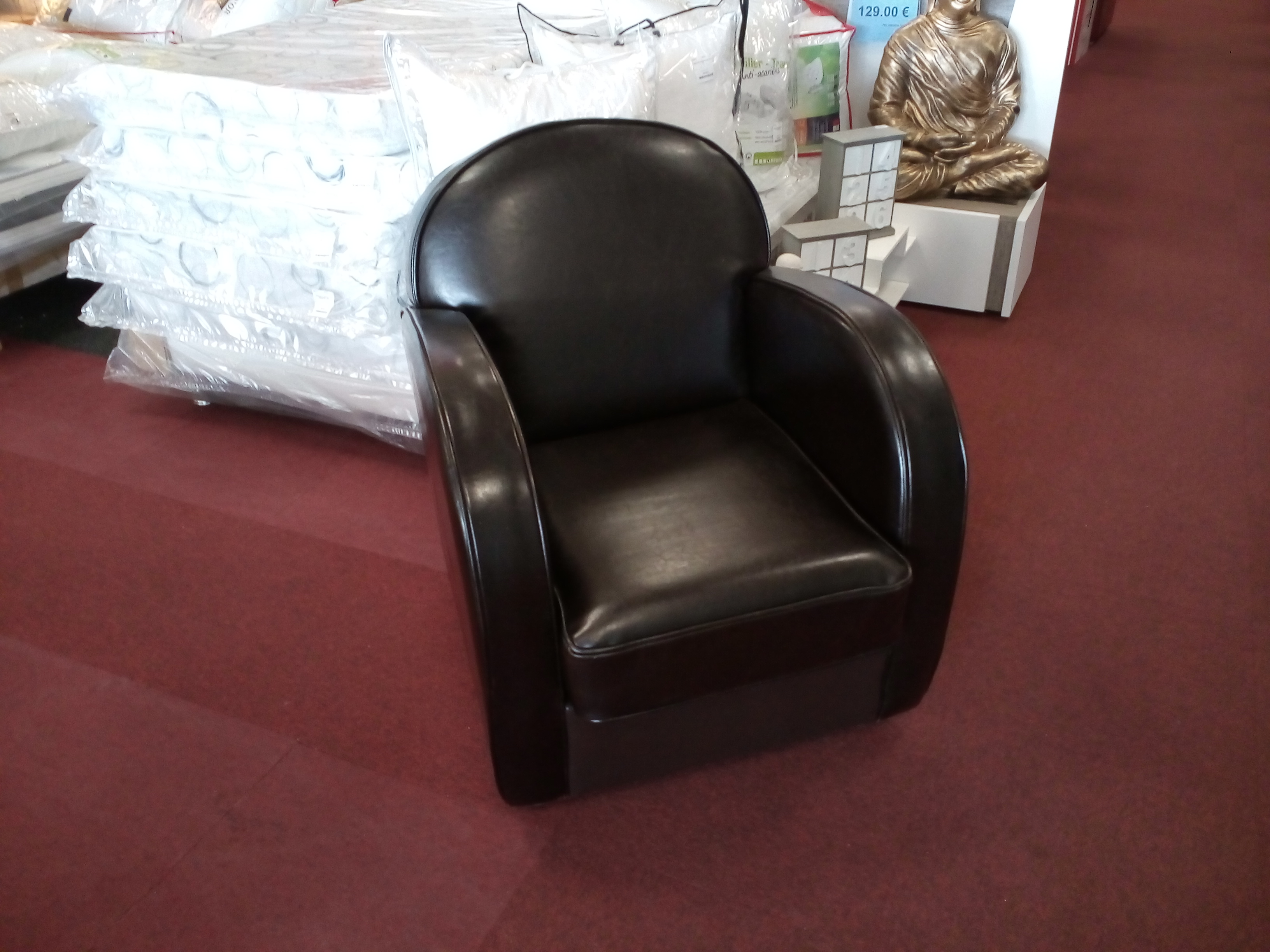 fauteuil cuir style club interior valeur 990 occasion la cabane du troc. Black Bedroom Furniture Sets. Home Design Ideas