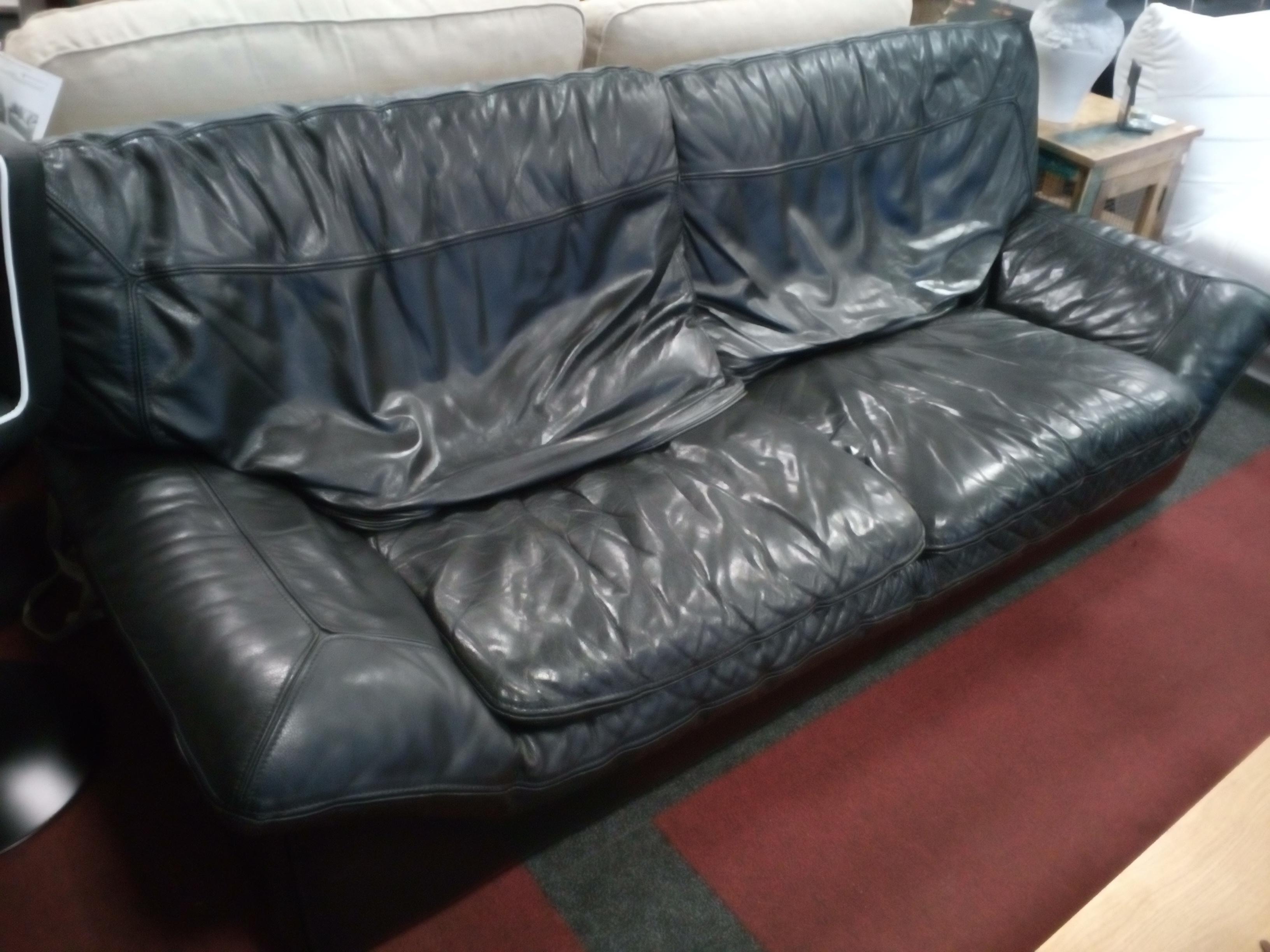 canap 2 places cuir noir roche bobois occasion la cabane du troc. Black Bedroom Furniture Sets. Home Design Ideas