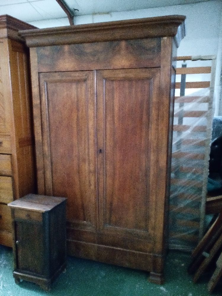 armoire 2 portes ancienne style lph occasion la cabane. Black Bedroom Furniture Sets. Home Design Ideas