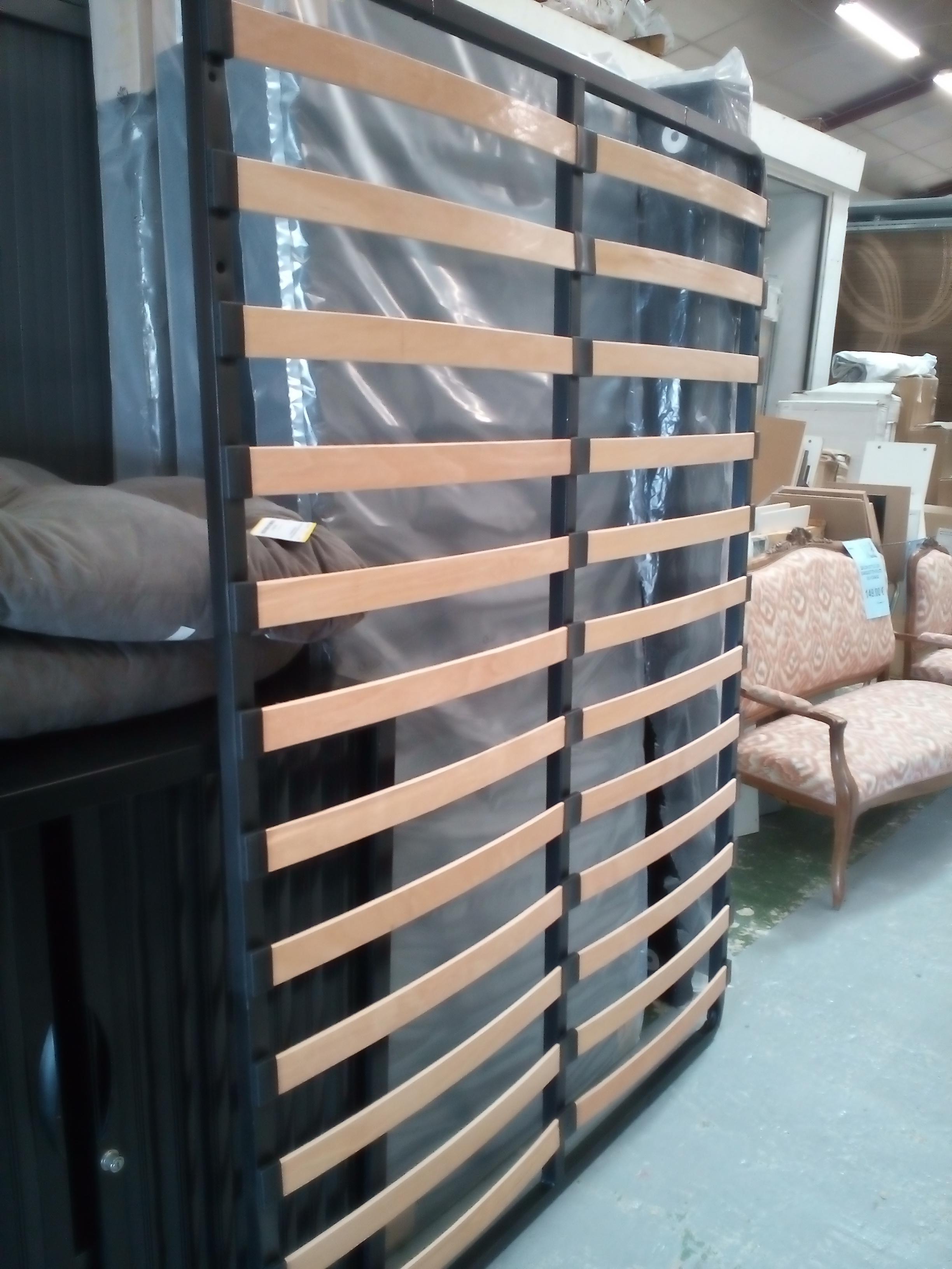 cadre lattes simple 140x190 occasion la cabane du troc. Black Bedroom Furniture Sets. Home Design Ideas