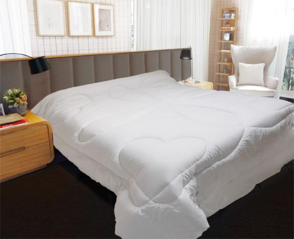 COUETTE BLANCHE 600 GR LUXE 140X200 CM