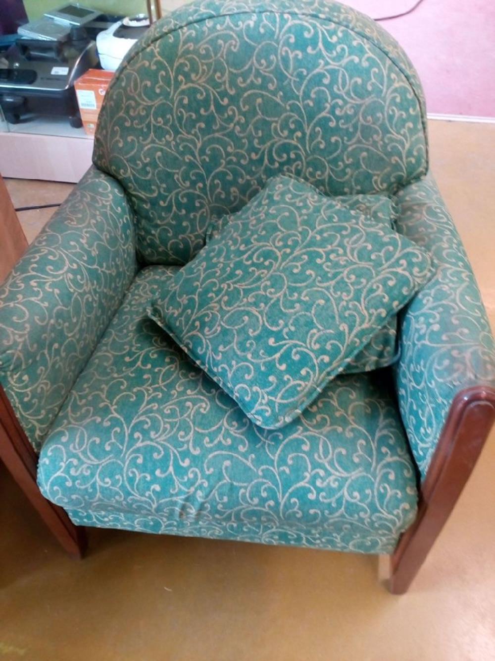 fauteuil tissus vert occasion le troc. Black Bedroom Furniture Sets. Home Design Ideas