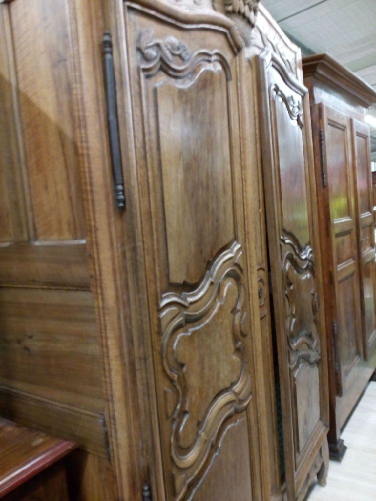 armoire chapeau de gendarme occasion le troc. Black Bedroom Furniture Sets. Home Design Ideas