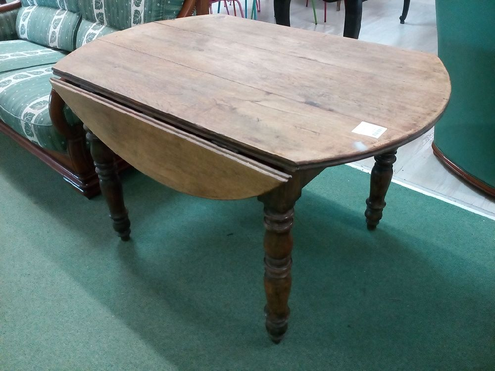 table sans tiroir occasion le troc. Black Bedroom Furniture Sets. Home Design Ideas