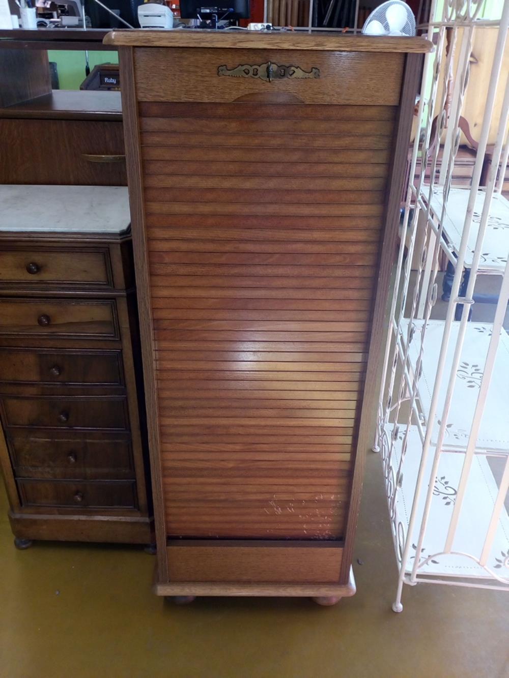 classeur a rideau occasion le troc. Black Bedroom Furniture Sets. Home Design Ideas