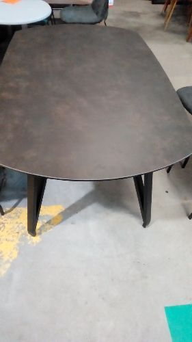 TABLE CERAMIQUE PIED METAL