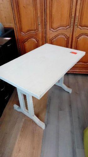 table de jardin blanche occasion troc richwiller. Black Bedroom Furniture Sets. Home Design Ideas