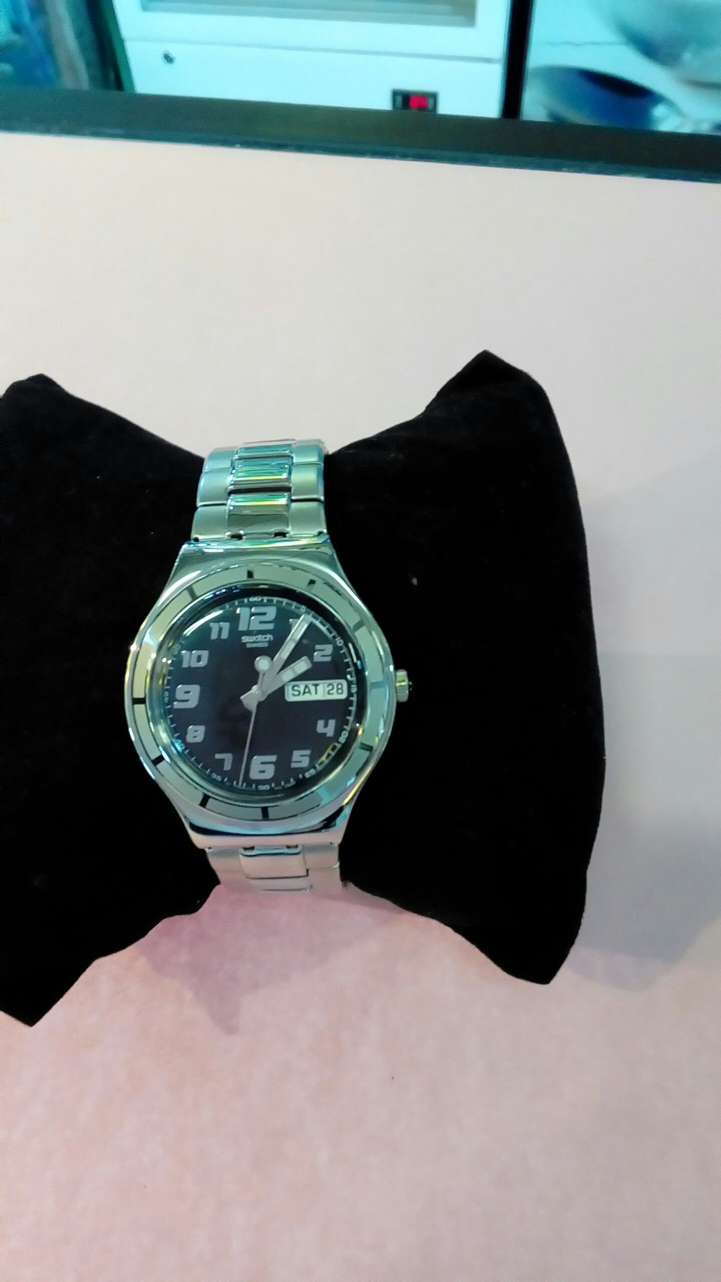 Montre swach occasion troc richwiller for Montre decoration