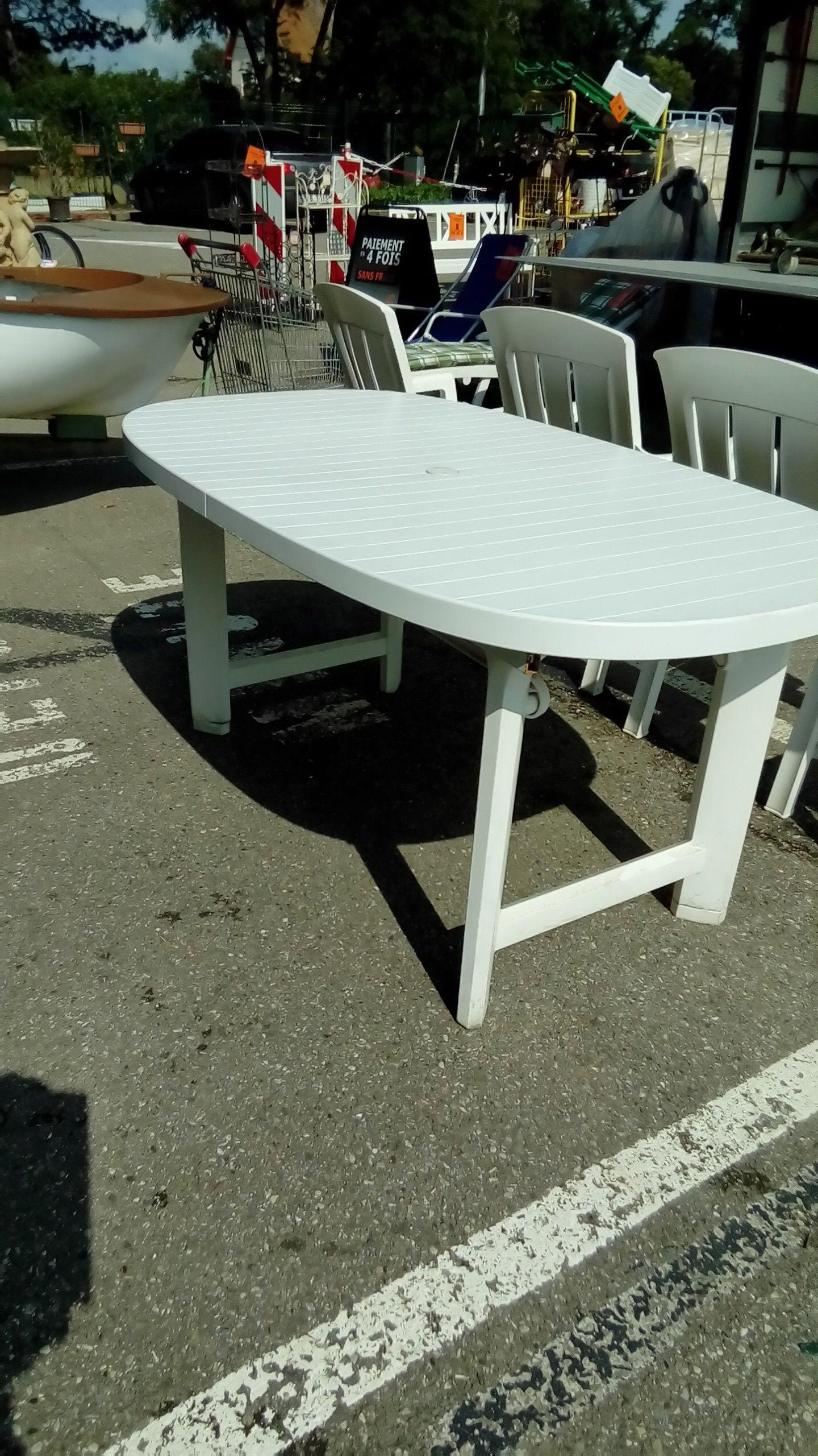 TABLE DE JARDIN PVC BLANC SANS ALLNGE occasion - Troc Richwiller