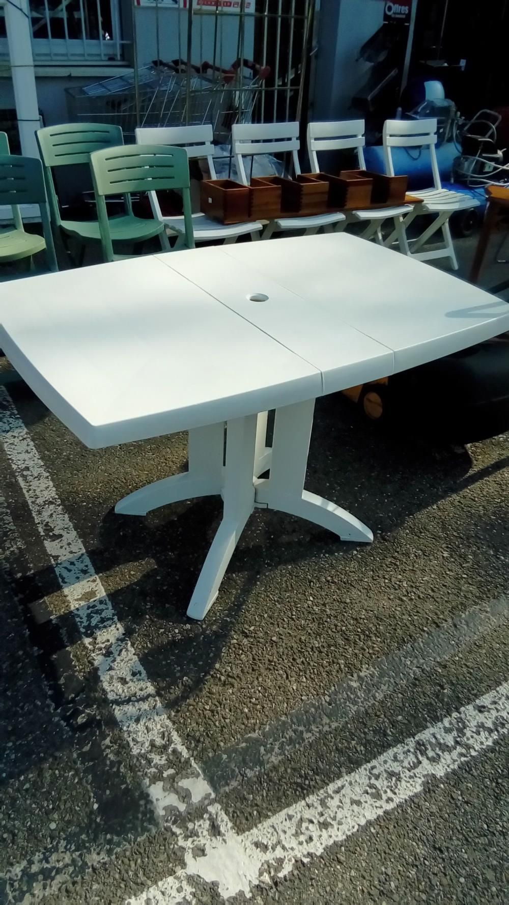 TABLE DE JARDIN PVC BLANC PLIANTE