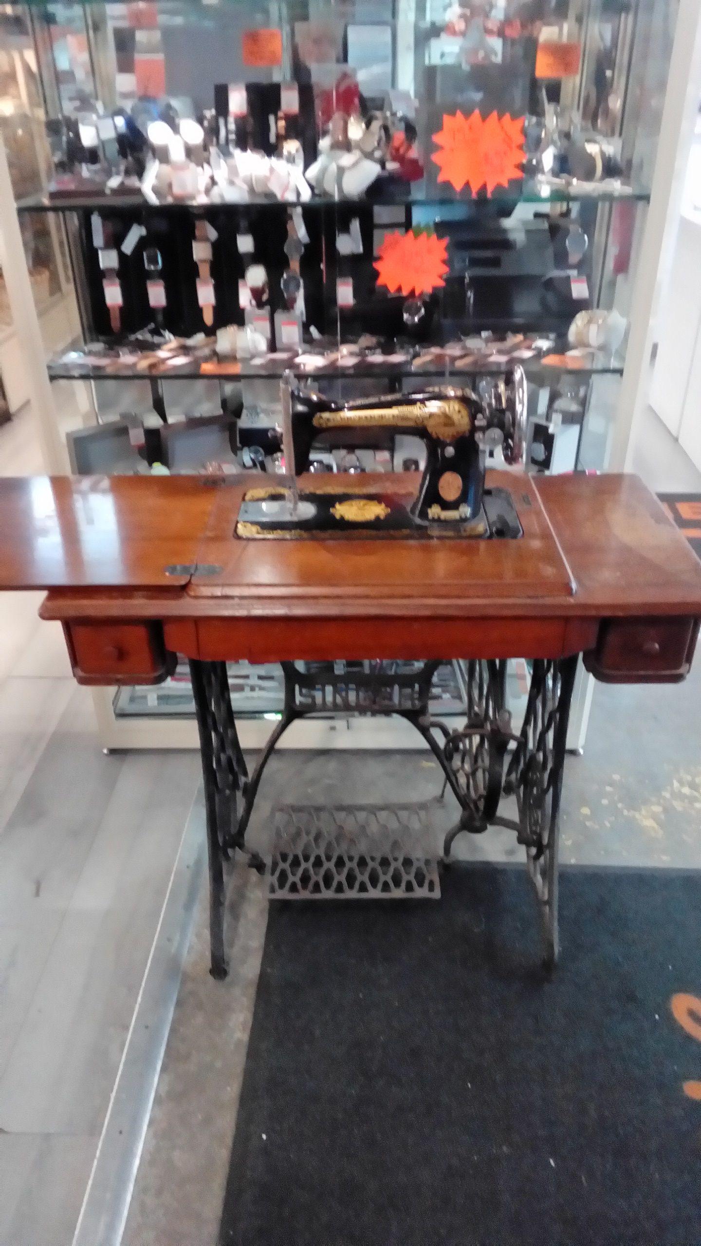 Ancienne Machine A Coudre machine À coudre ancienne singer occasion - troc richwiller