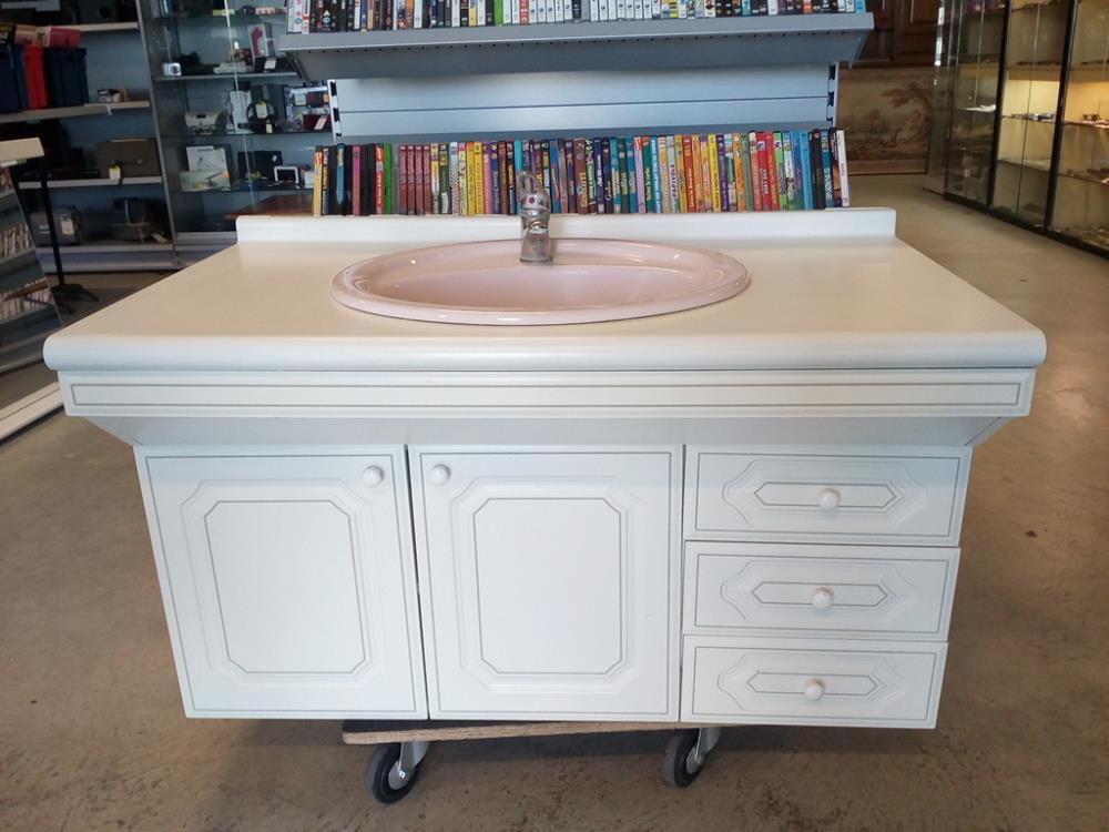 meuble vasque murale miroir occasion troc 24. Black Bedroom Furniture Sets. Home Design Ideas