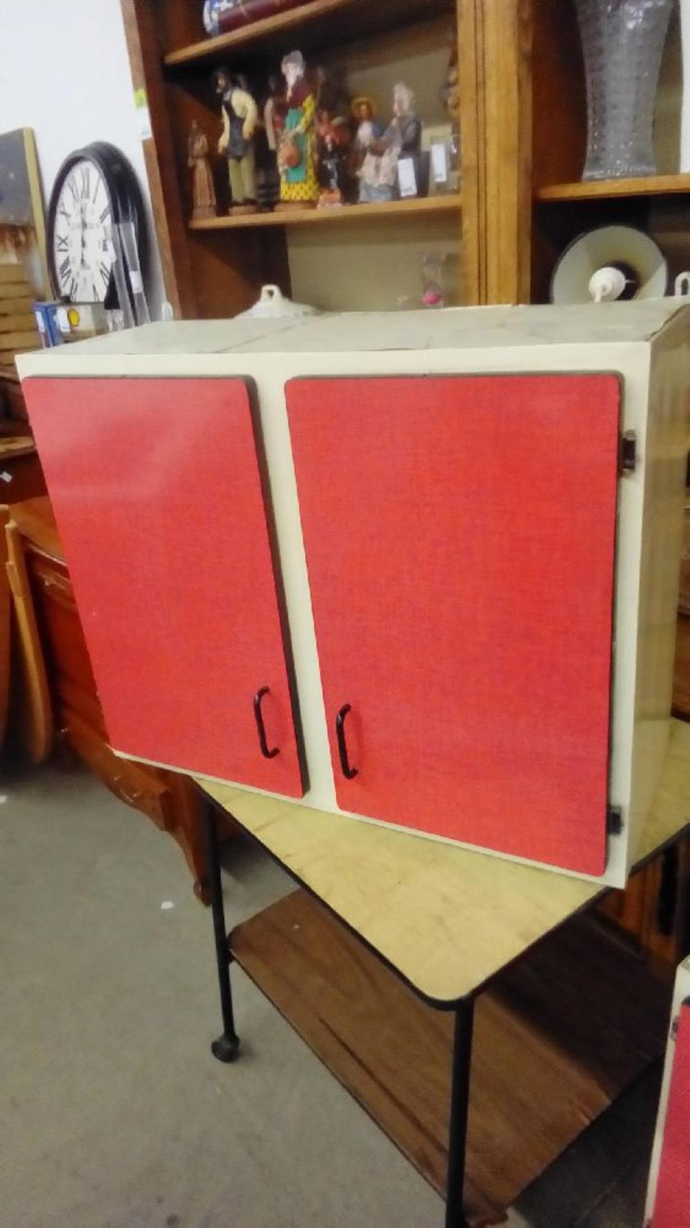 MEUBLE HT 2P FORMICA ROUGE