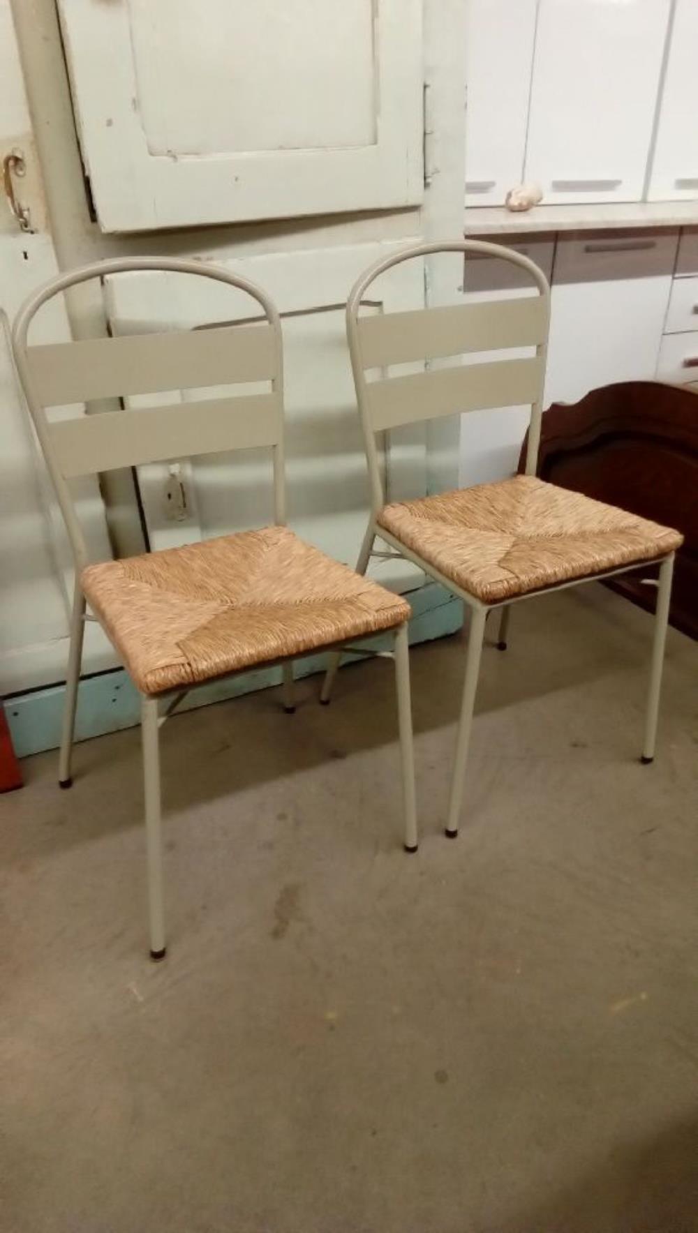 paire de chaises metal paillees occasion troc nancy. Black Bedroom Furniture Sets. Home Design Ideas