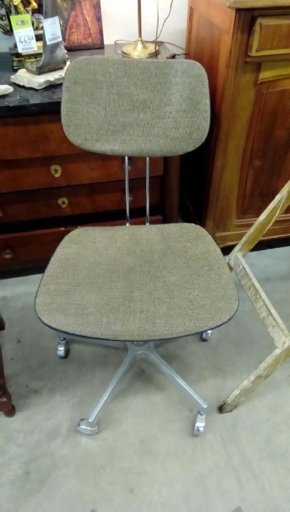 chaise de bureau occasion troc nancy. Black Bedroom Furniture Sets. Home Design Ideas