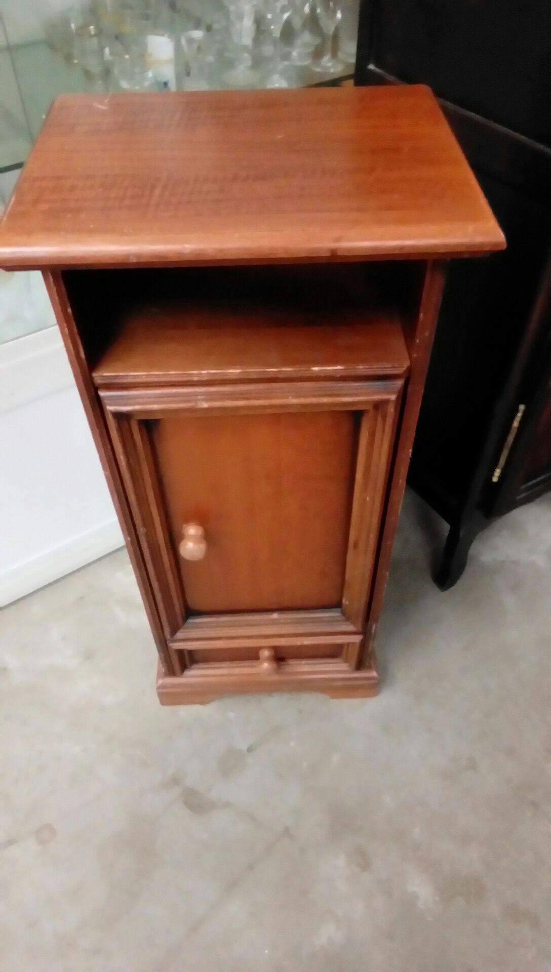 meuble rustique 1p1t occasion troc nancy. Black Bedroom Furniture Sets. Home Design Ideas
