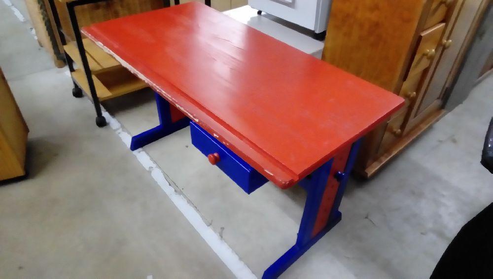 Bureau bois reglable coul bleu rouge occasion troc forbach