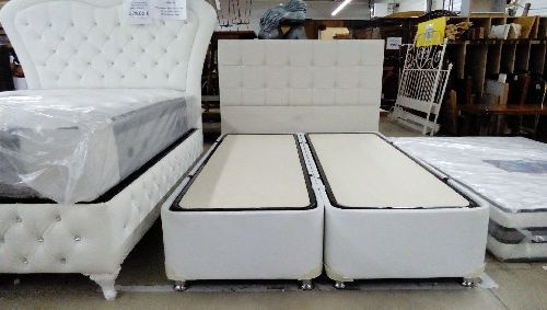 lit coffre 140x190 blanc neuf troc forbach. Black Bedroom Furniture Sets. Home Design Ideas