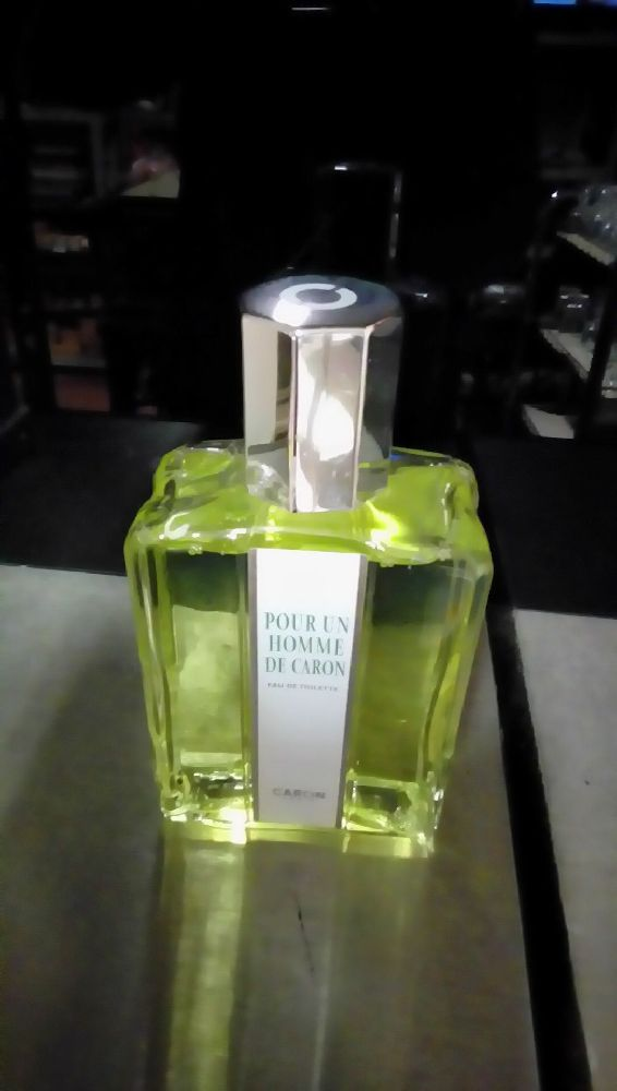 FACTICE DE PARFUM  CARON MM