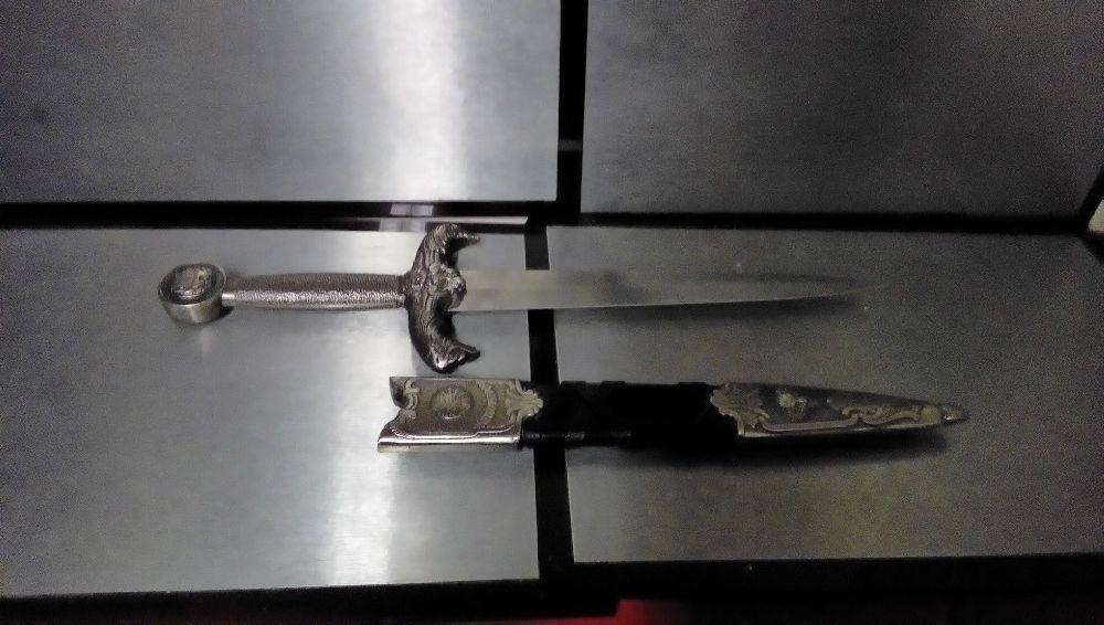 dague reproduction roi arthur occasion la boutique du chineur. Black Bedroom Furniture Sets. Home Design Ideas