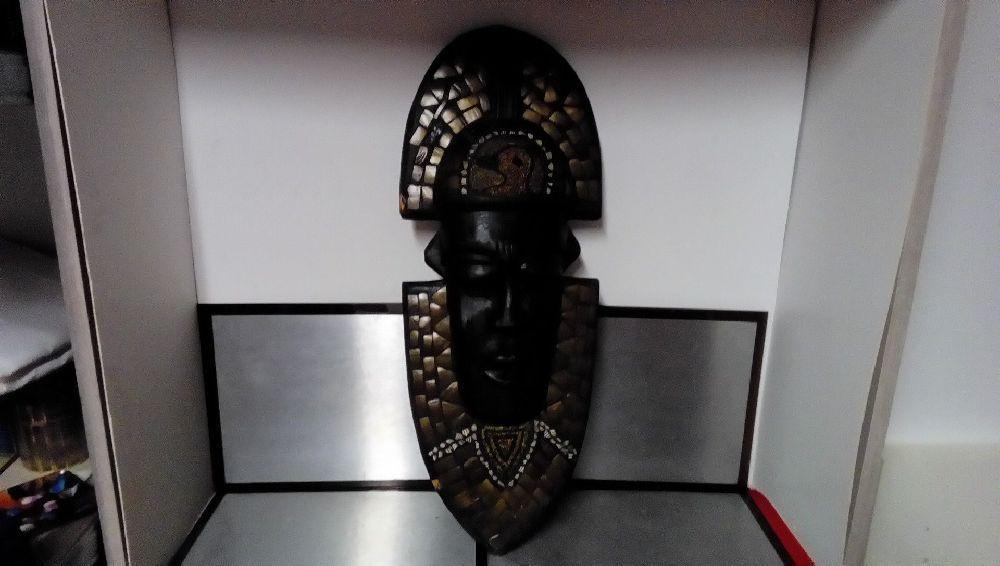 masque africain avec perle occasion la boutique du chineur. Black Bedroom Furniture Sets. Home Design Ideas