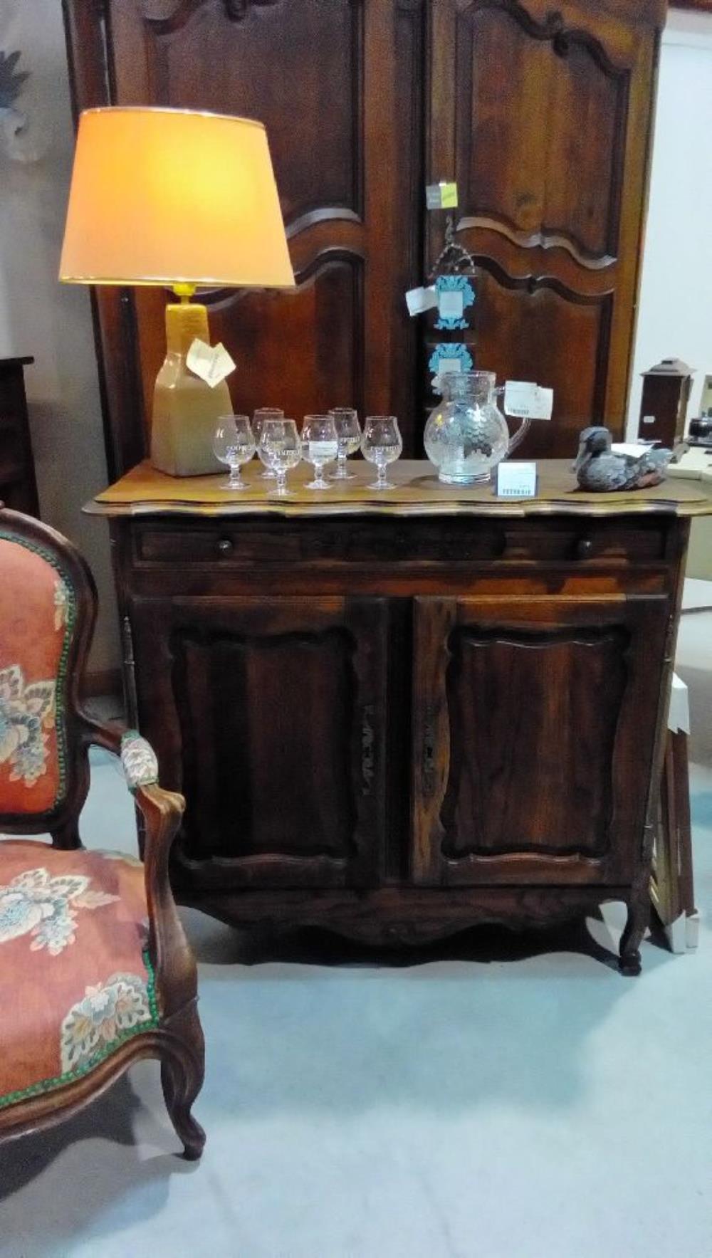 meuble bas chene massif st louis xv 2p 1t sans etagere occasion la boutique du chineur. Black Bedroom Furniture Sets. Home Design Ideas