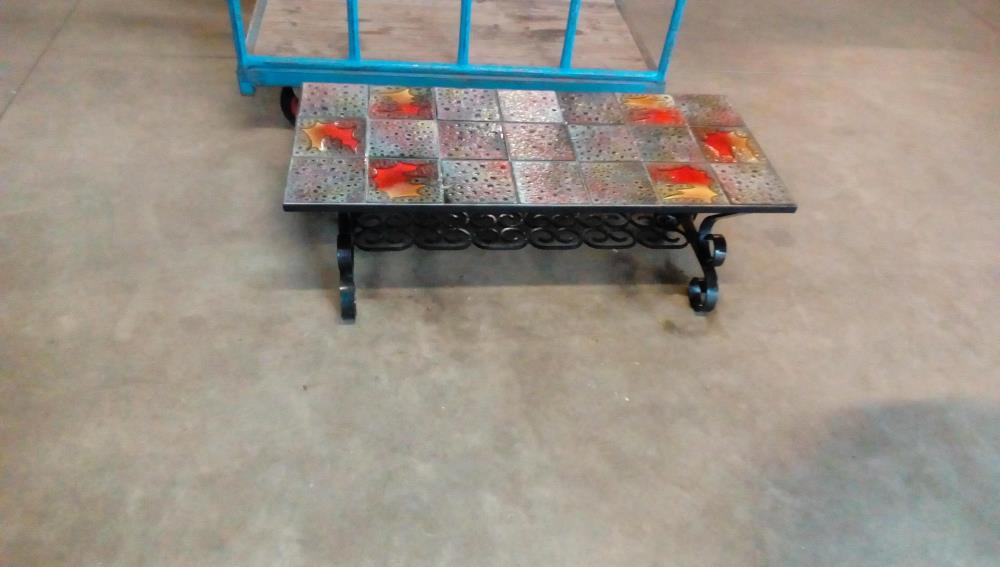 Table Basse Rectangulaire Carrelee Pieds Fer Forge Occasion Troc