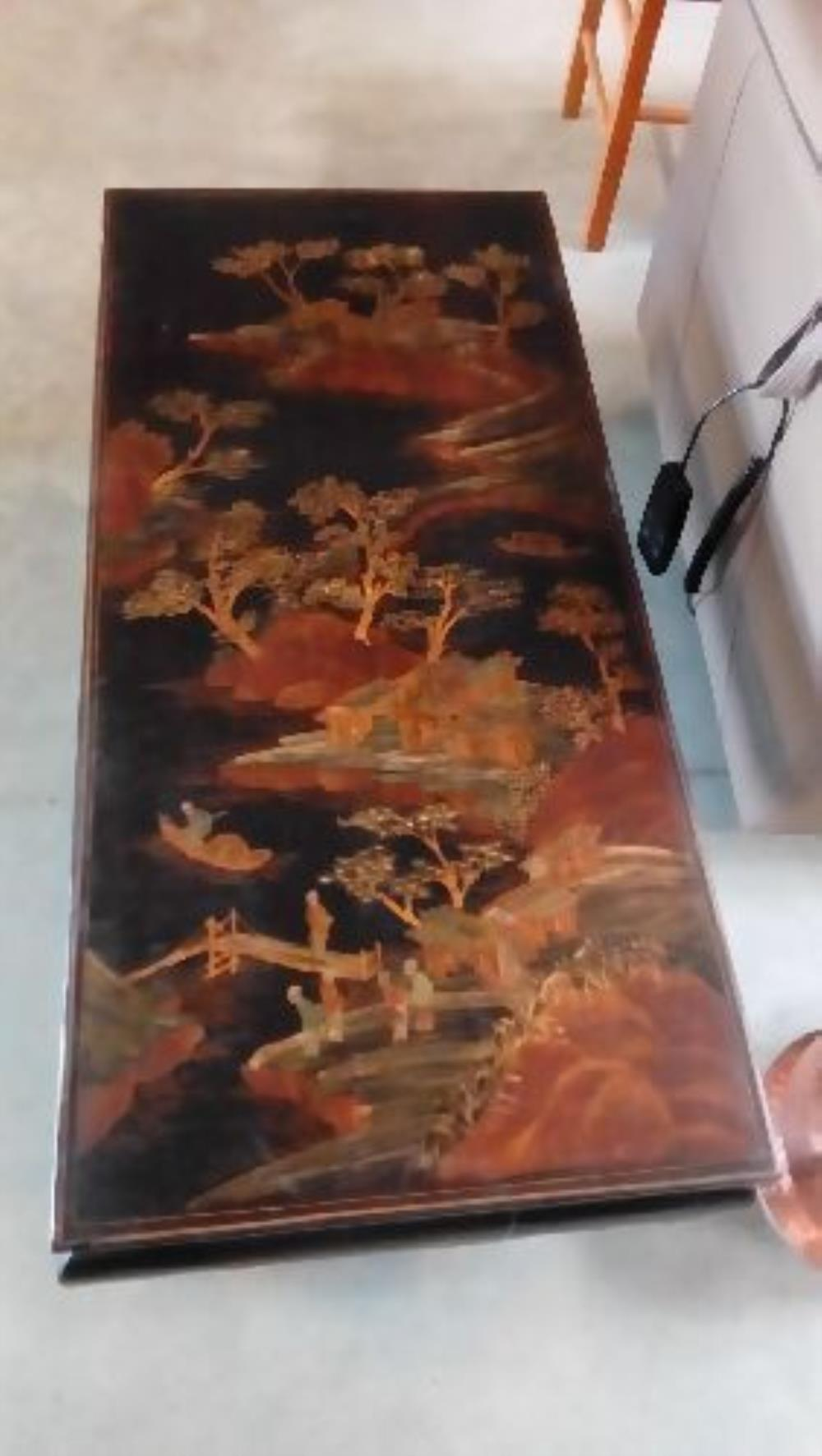 TABLE BASSE BOIS RECTANGULAIRE ASIATIQUE occasion - Troc Fecamp