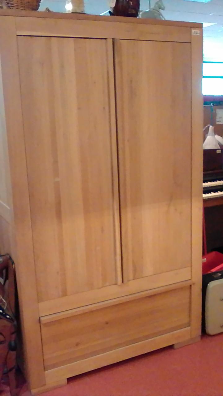 armoire de chambre bois massif occasion ar geschaft. Black Bedroom Furniture Sets. Home Design Ideas