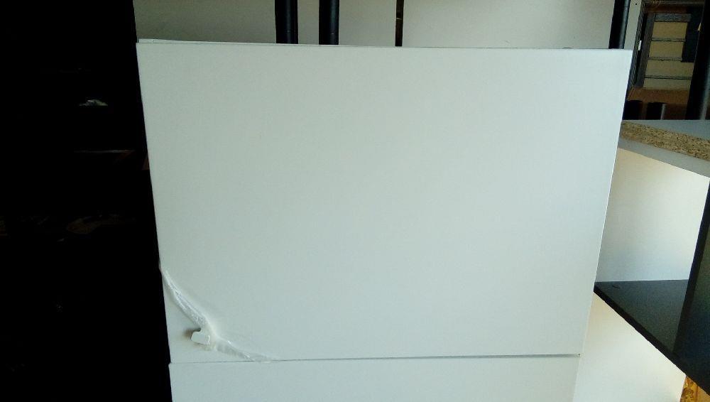 meuble de cuisine mural blanc occasion troc cash. Black Bedroom Furniture Sets. Home Design Ideas