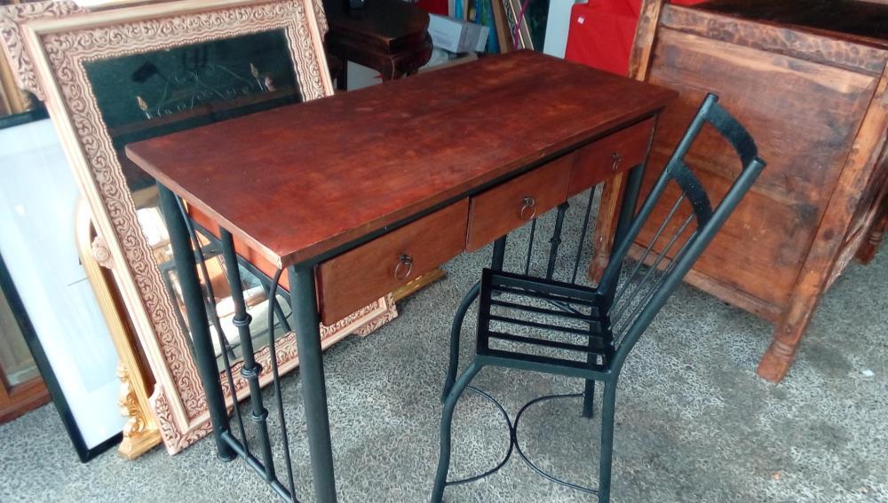 Bureau bois fer forge avec chaise occasion troc cash