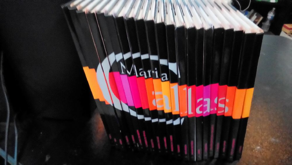 COLLECTION 21 LIVRE ET CD MARIA CALLAS
