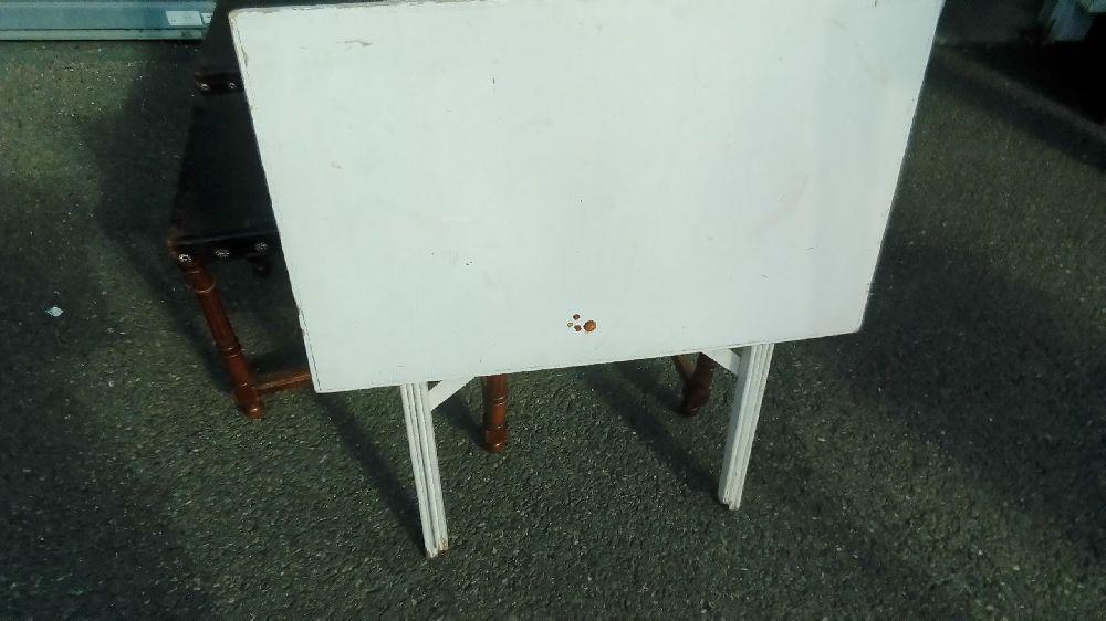 table pliante blanche occasion troc ou cash. Black Bedroom Furniture Sets. Home Design Ideas