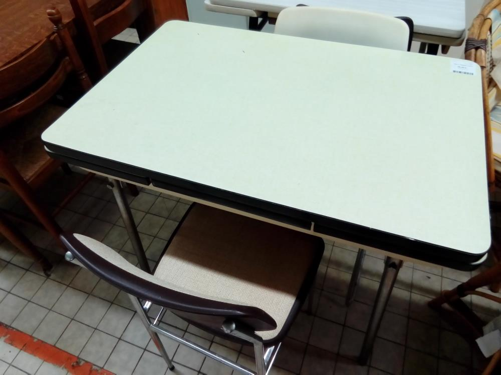 TABLE FORMICA VERTE