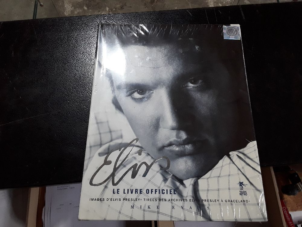 ELVIS LE LIVRE OFFICIEL DE MIKE EVANS