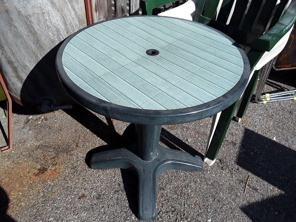 TABLE DE JARDIN RONDE 70 CM occasion - Troc Annecy