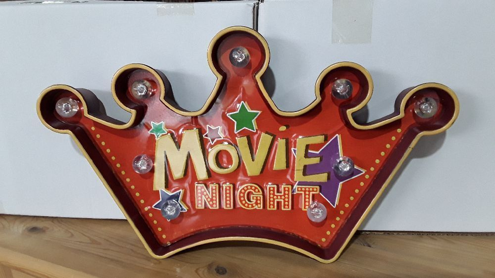 PLAQUE MURALE MOVIE NIGHT COURONNE  ROUGE + LEDS