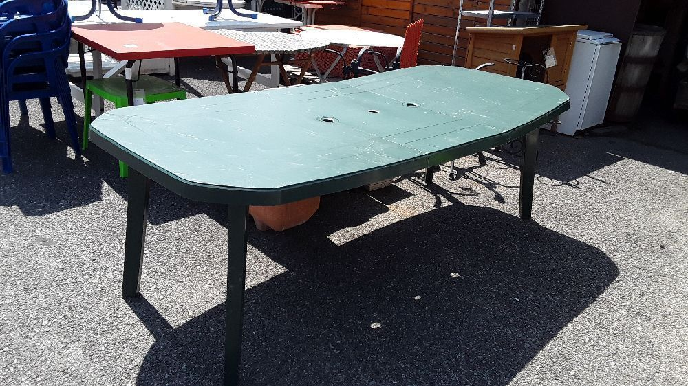 TABLE DE JARDIN PLASTIQUE VERT occasion - Troc Annecy