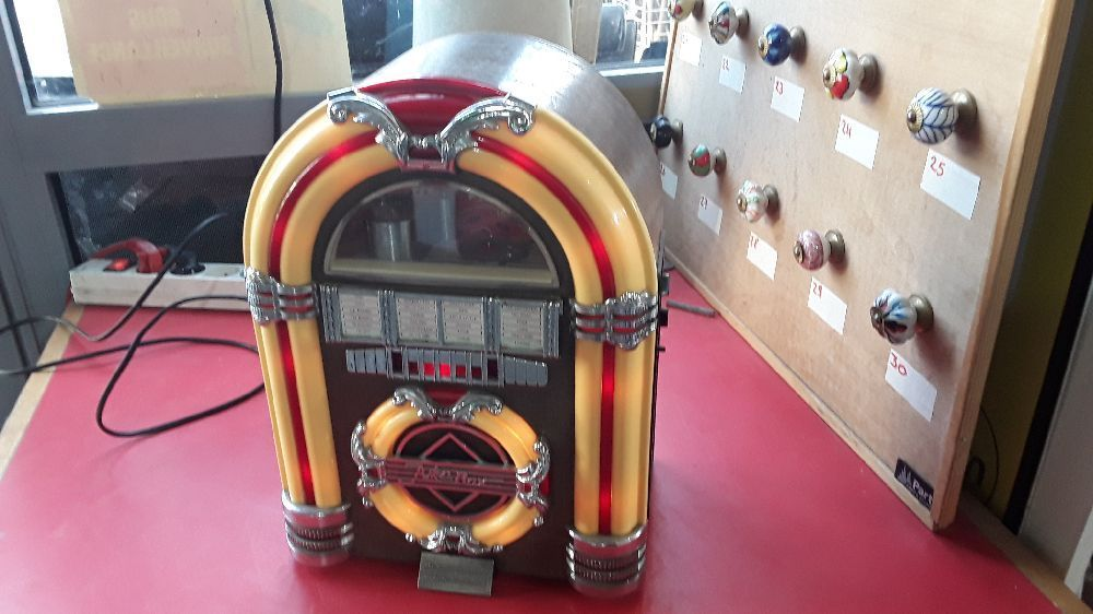 JUK BOX ÉDITION COLLECTOR'S SPIRIT OF SAINT LOUIS RADIO K7