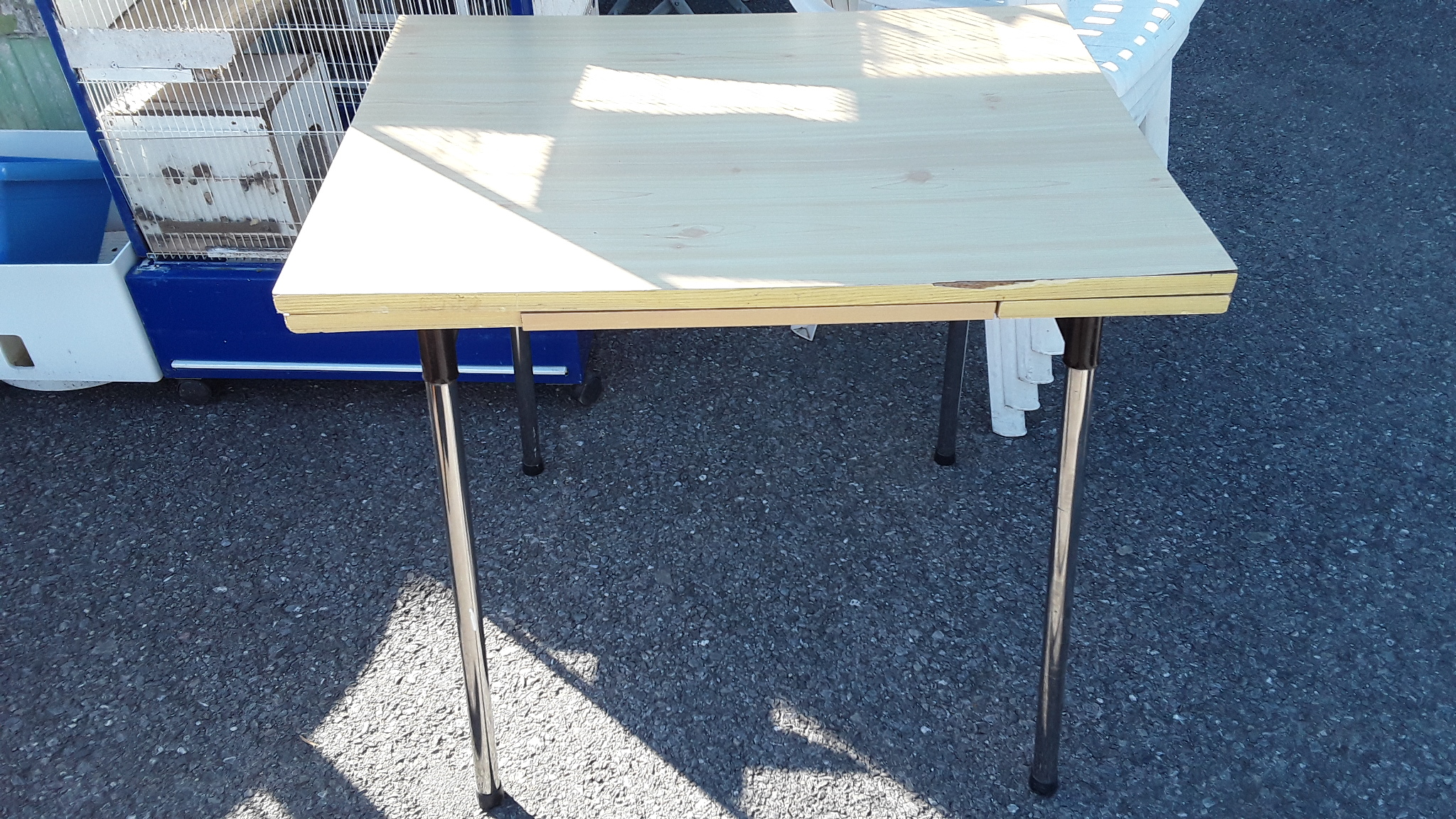 TABLE FORMICA ITALIENNE PIEDS METAL 2 RALLONGES