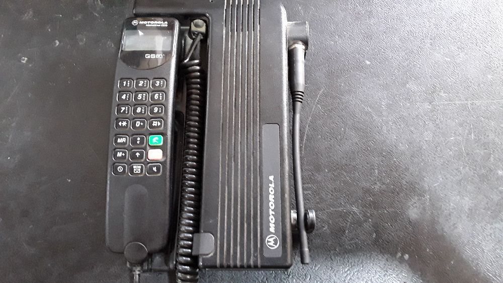 OBJET DECO TELEPHONE GSM VINTAGE MOTOROLA INTERNATIONAL 2200