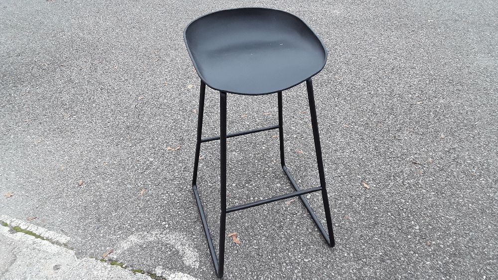 TABOURET DE BAR DESIGN NOIR H75CM PEBBLE