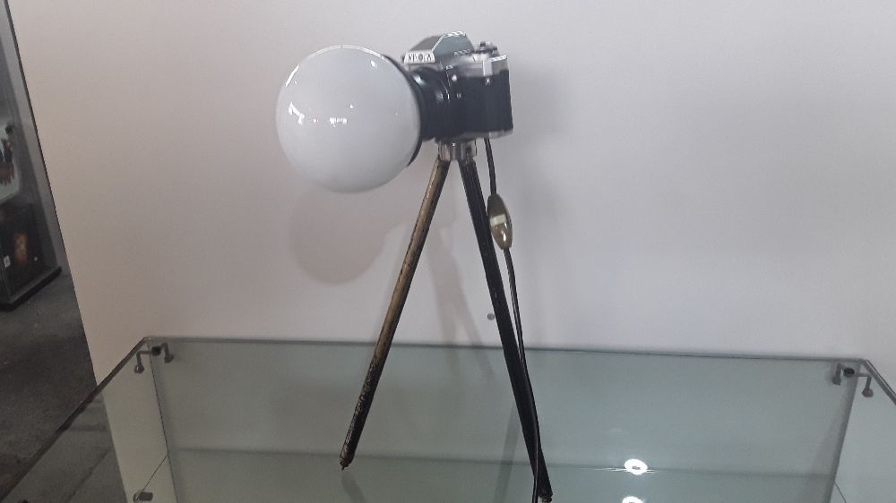 LAMPE DECO INDUSTRIELLE APPAREIL PHOTO TREPIED REGLABLE