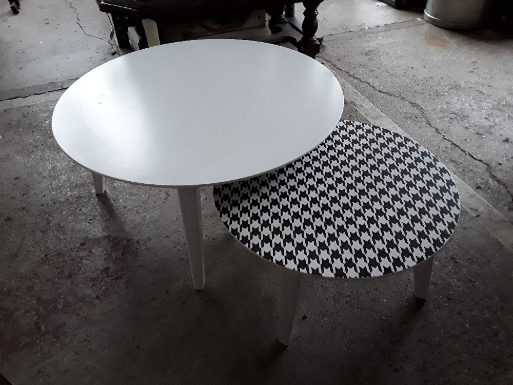 LOT 2 TABLES BASSES RONDES DECO