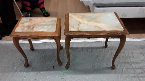 LOT DE 2 PETITES TABLES MARBRE